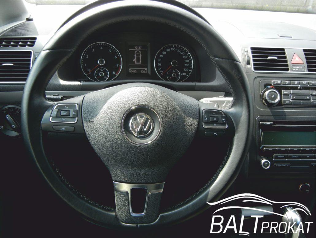 Volkswagen Touran - фото 11