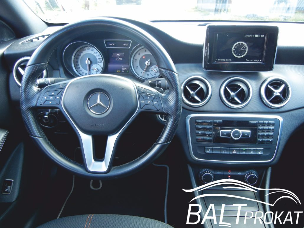 Mercedes CLA 200 - фото 12