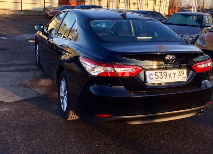 Toyota Camry 2019 чёрный фото 4