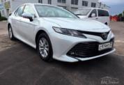 Toyota Camry 2020 белая фото 2