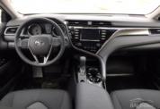 Toyota Camry 2020 белая фото 4