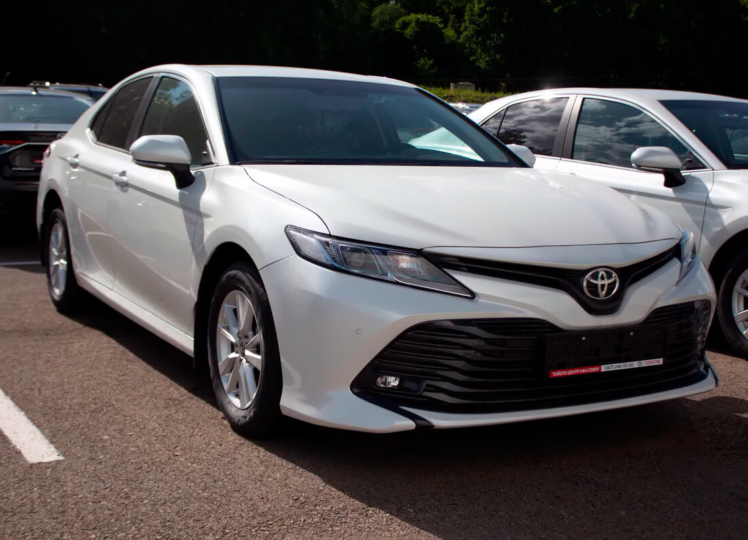 Toyota Camry 2020 фото 1