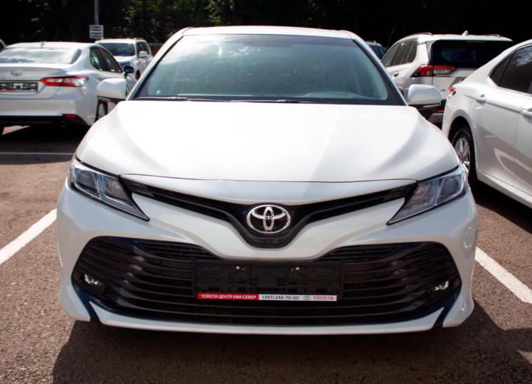 Toyota Camry 2020 фото 2